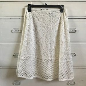 FOREVER 21 / White Floral Lace Midi Skirt / SZ M